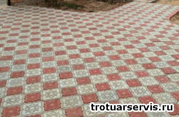 Пример укладки тротуарной плитки Клевер Краковский