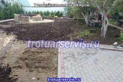 Пример укладки тротуарной плитки брусчатка в городе Киров